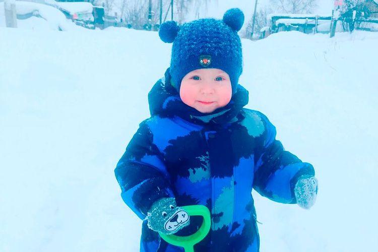 Dima Shcherbakov (2 tahun) yang tewas dibunuh oleh kakek-neneknya saat mabuk parah.