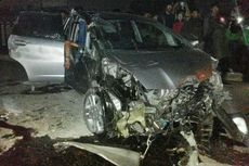 Honda Jazz Kecelakaan Maut di Depok, 3 Orang Diduga Meninggal Dunia