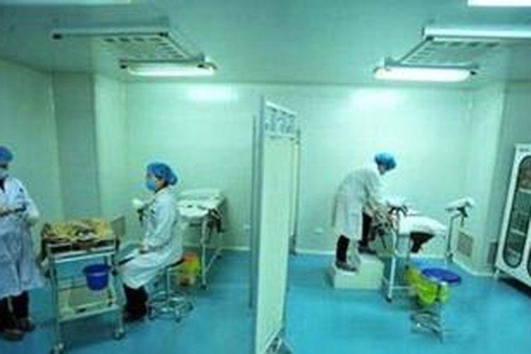 Salah satu ruangan di bank sperma Universitas Wuhan, China.