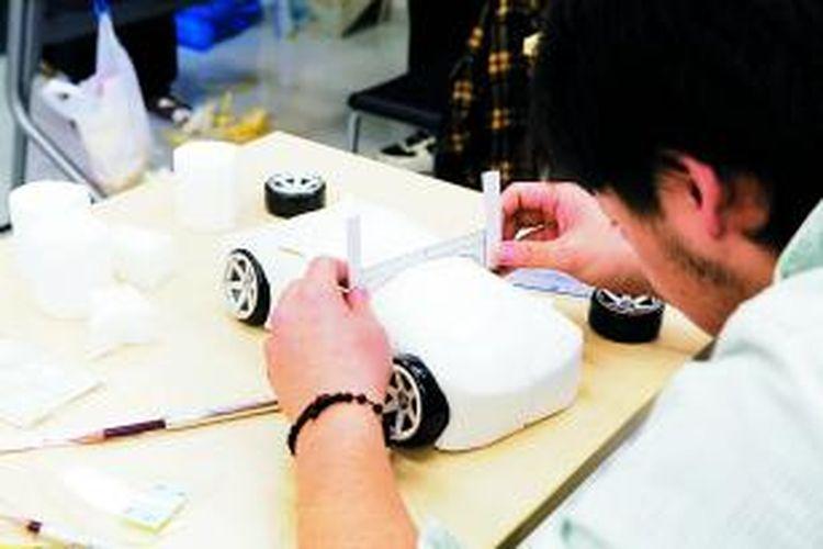 BASE sendiri merupakan satu-satunya sekolah untuk jurusan bidang robotik di Indonesia. Sekolah ini mencoba menggabungkan antara mesin dan komputer dalam satu produk engineering.