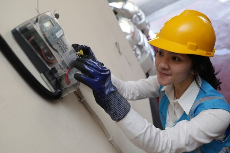 Ilustrasi listrik PLN dan biaya tambah daya listrik