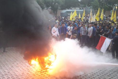Massa PMII Bubar dari Depan Gedung KPK