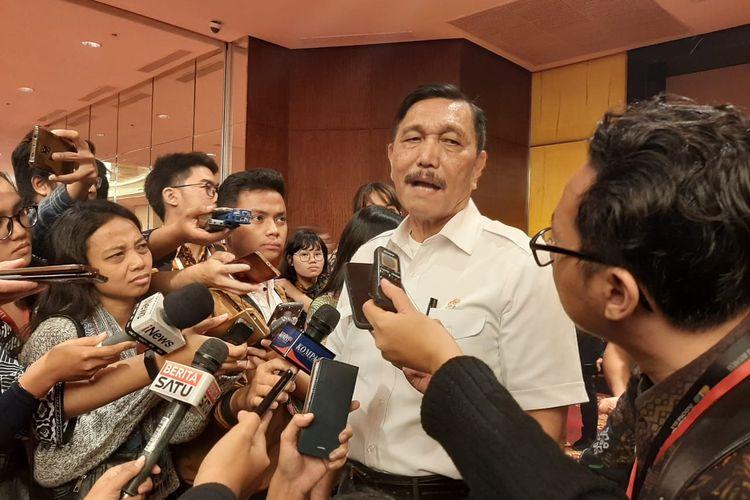 Menko Maritim dan Investasi, Luhut Binsar Pandjaitan memberikan keterangan pers di Hotel Pasific Place, Jakarta, Kamis (20/2/2020).