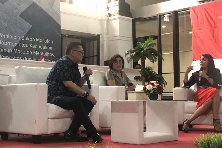 Mantan Dirut PD Dharma Jaya Marina Ratna Dwi dan mantan Kepala Dinas Kesehatan DKI Jakarta Koesmedi dalam peluncuran buku ?Kebijakan Ahok? di Gedung Filateli, Kamis (16/8/2018).