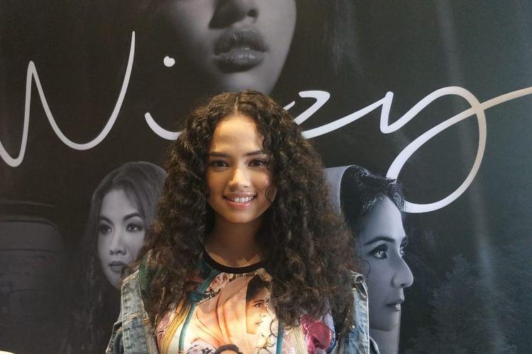 Wizzy dalam jumpa pers peluncuran single Kepastian di kawasan Warung Buncit, Jakarta Selatan, Kamis (2/5/2019).