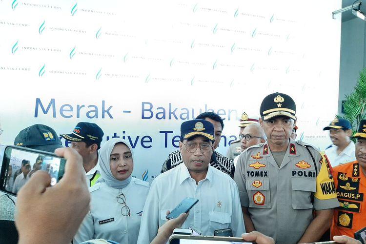 Menteri Perhubungan Budi Karya Sumadi dan Direktur Utama ASDP Indonesia Ferry Ira Puspadewi di Pelabuhan Merak, Selasa (24/12/2019)