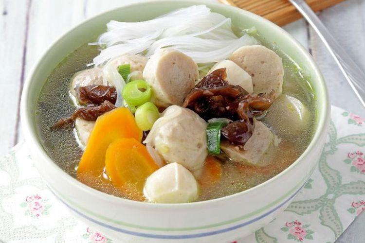 Ilustrasi sop bakso jamur.