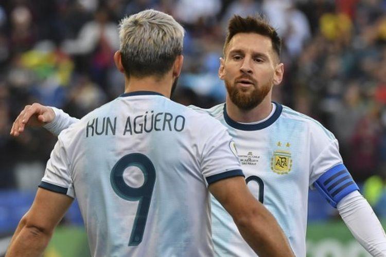 Sergio Aguero dan Lionel Messi melakukan selebrasi pada pertandingan Argentina vs Chile di ajang Copa America 2019 yang digelar di Stadion Corinthians Arena, 6 Juli 2019.