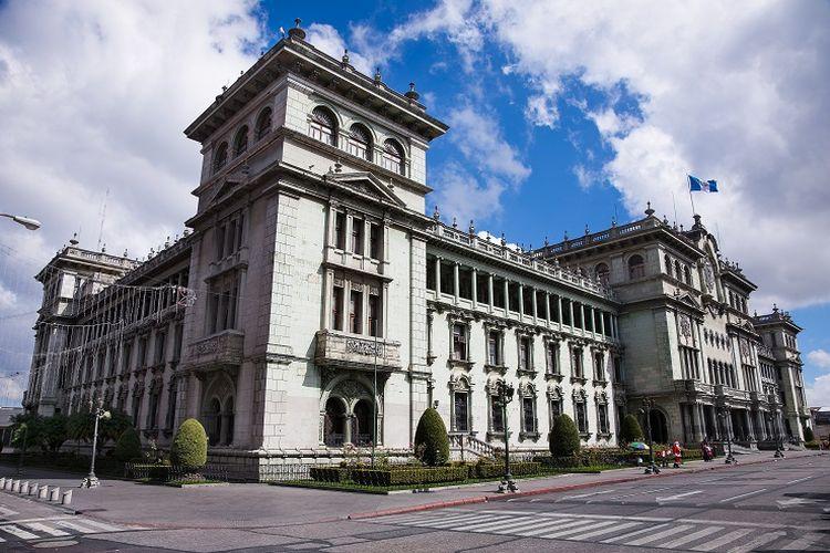 Ilustrasi Guatemala - Tempat wisata bernama Palacio Nacional de la Cultura di Guatemala.