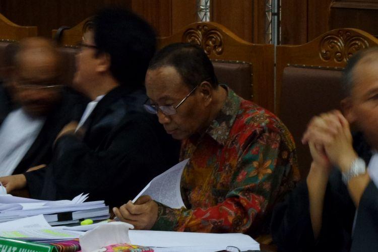 Mantan Direktur Pengelolaan Informasi dan Administrasi Ditjen Dukcapil Kemendagri, Sugiharto, menjadi terdakwa di Pengadilan Tipikor Jakarta, Kamis (16/3/2017).