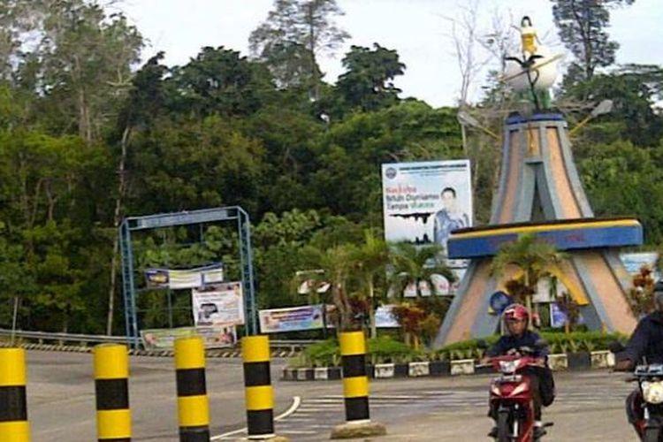 Salah satu sudut jalan di Tanjung Selor, Kabupaten Bulungan, Kalimantan Utara, Sabtu (27/4/2013)