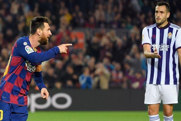 Lionel Messi merayakan golnya pada pertandingan Barcelona vs Real Valladolid dalam lanjutan La Liga Spanyol di Stadion Camp Nou, 29 Oktober 2019.
