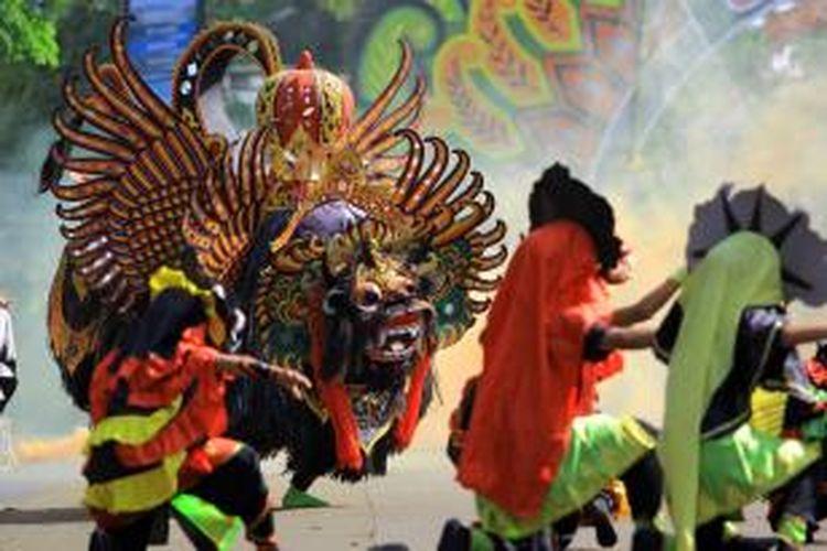 Festival Barongan di Banyuwangi, Jawa Timur, Minggu (11/10/2015).