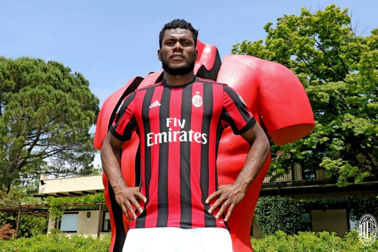 Franck Kessie resmi dipinjam AC Milan dari Atalanta, Jumat (2/6/2017).