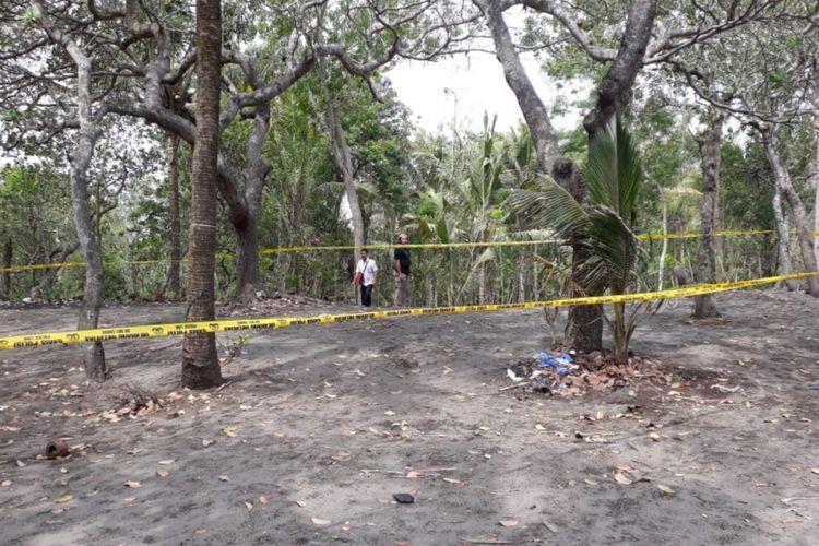 Lokasi warga menemukan sesosok mayat sebagian tubuhnya terbakar di Kecamatan Sanden, Bantul, Yogyakarta.