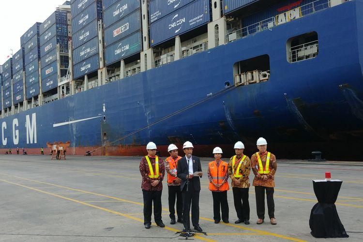 Presiden Joko Widodo melepas ekspor produk manufaktur ke Amerika Serikat (AS), dari pelabuhan Tanjung Priok, Jakarta, Selasa (15/5/2018).