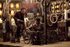 Sinopsis Film Skiptrace, Aksi Detektif Buru Sindikat Kriminal