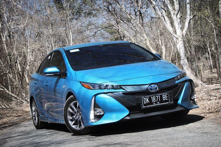 Toyota Prius Prime menjadi andalan di segmen Plug-in Hybrid, segera dijual akhir 2019 ini.