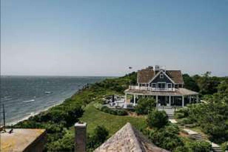 Dilansir dari Airbnb, properti ini terletak di Nantucket, Massachusetts, Amerika Serikat dan memiliki nilai 50 juta dollar AS (Rp 657,89 miliar).