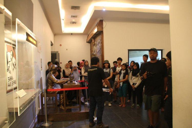 Lewat kegiatan komunitas Yogyakarta Night at the Museum, masyarakat di Yogyakarta sudah bisa merasakan sensasi berkunjung ke museum di malam hari.