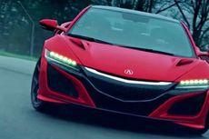 Kebut Honda NSX 2017 pada Sirkuit Basah