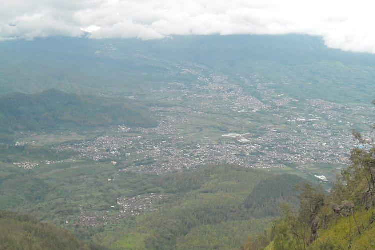 View kota batu dan sekitarnya dilihat dari Gunung Panderman 2013