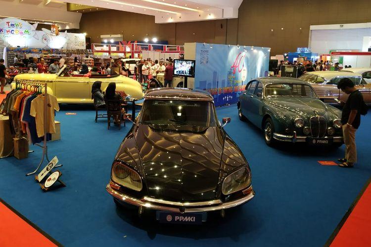 Telkomsel IIMS 2019 juga dimeriahkan pameran mobil-mobil klasik.