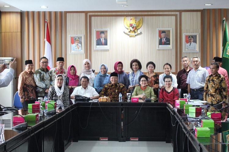 Gubernur Bengkulu, Rohidin Mersyah dalam acara persiapan Haul Fatmawati di Bengkulu