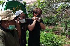 Billy Syahputra Tandu Jenazah Sapri Pantun sampai ke Liang Lahat