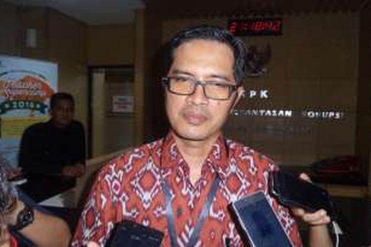 Juru Bicara KPK Febri Diansyah saat jumpa pers di Gedung KPK Jakarta, Rabu (14/12/2016).