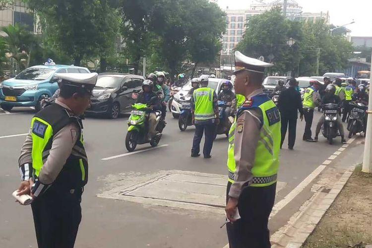 Razia pelanggar pajak kendaraan bermotor di Senen, Jakarta Pusat, Kamis (13/2/2020)