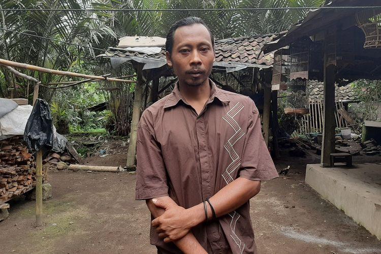 Sudarwanto alias Kodir saat ditemui di rumahnya, RT 5/RW 26, Dusun Kembangarum, Desa Donokerto, Kecamatan Turi, Senin (24/02/2020).