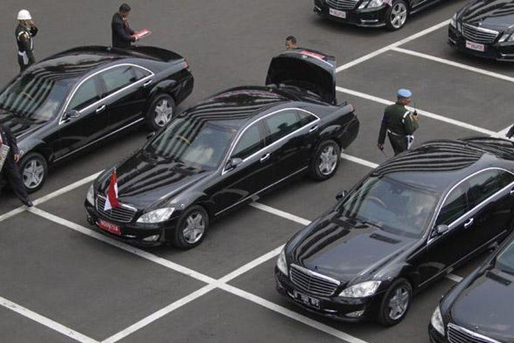 Mobil dinas Kepresidenan Mercedes-Benz S600 Pullman Guard Indonesia 1.