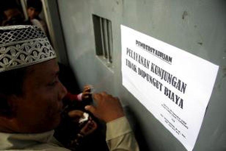 Ilustrasi LP Cipinang: Berkumpul bersama keluarga menjadi idaman bagi sebagian narapidana (warga binaan) yang merayakan Lebaran di Lembaga Permasyarakatan Cipinang, Jakarta Timur, Rabu (1/10/2008).