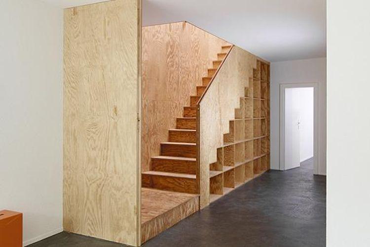 Untuk tangga, Big-Game memanfaatkan pijakan anak tangga sebagai lemari untuk sisi lain tangga tersebut. Big-Game juga membuat tangga yang terintegrasi dengan lemari dan dapur, meja belajar sekaligus lemari pakaian, serta meja belajar sepanjang ruangan.