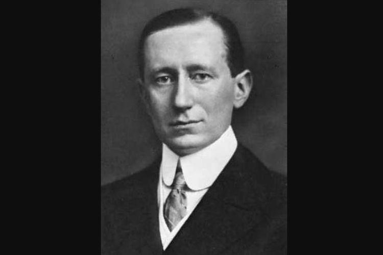 Penemu radio, Guglielmo Marconi, fisikawan asal Italia.