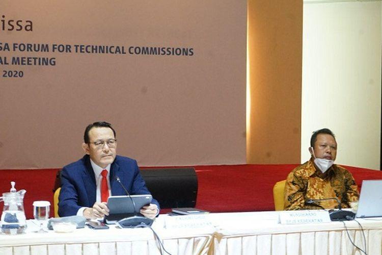 Direktur Utama BPJS Kesehatan Fachmi Idris, didampingi Direktur Perencanaan dan Pengembangan BPJS Kesehatan Mundiharno.