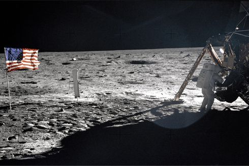 [Hari Ini dalam Sejarah] Kisah 2,5 Jam Pijakan Pertama Manusia di Bulan