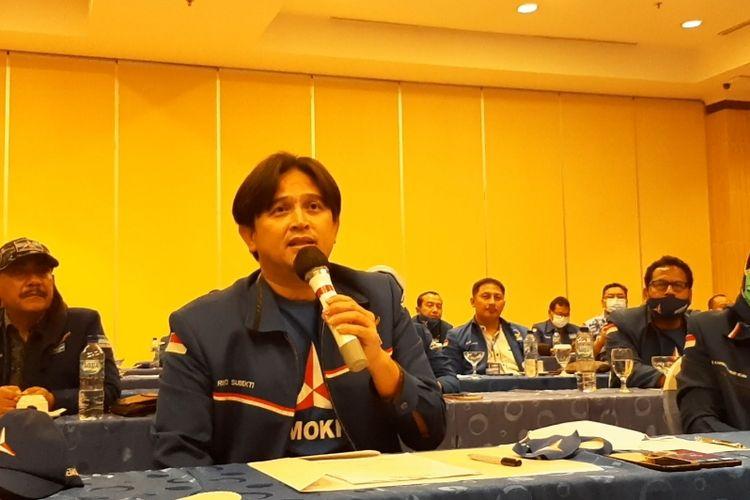 Ketua DPD Demokrat Jawa Tengah Rinto Subekti saat konferensi pers di Hotel Candi Semarang, Minggu (7/3/2021.