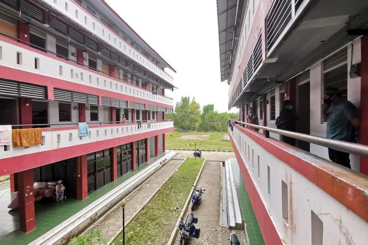 Gedung Rusunawa Nunukan Kaltara. Bangunan ini menjadi tempat karantina bagi para deportan sebelum dikirim ke kampung halaman