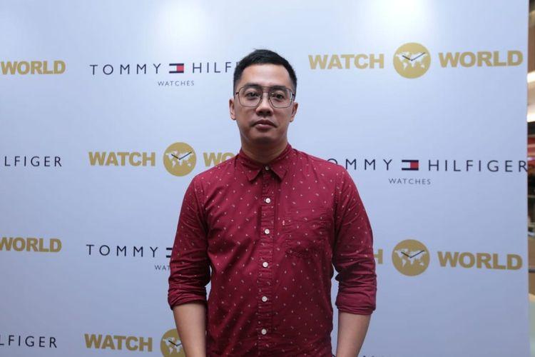 Artis peran Dennis Adishwara saat ditemui dalam acara Launching New Collection Fall Winter Tommy Hilfiger Watches by Watch World di Senayan City, Jakarta Pusat, Kamis (23/1/2019).
