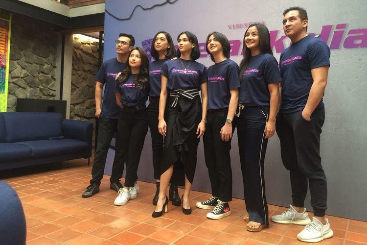 Para pemain film Generasi 90an: Melankolia dalam jumpa pers di kawasan Cilandak, Jakarta Selatan, Jumat (13/9/2019).