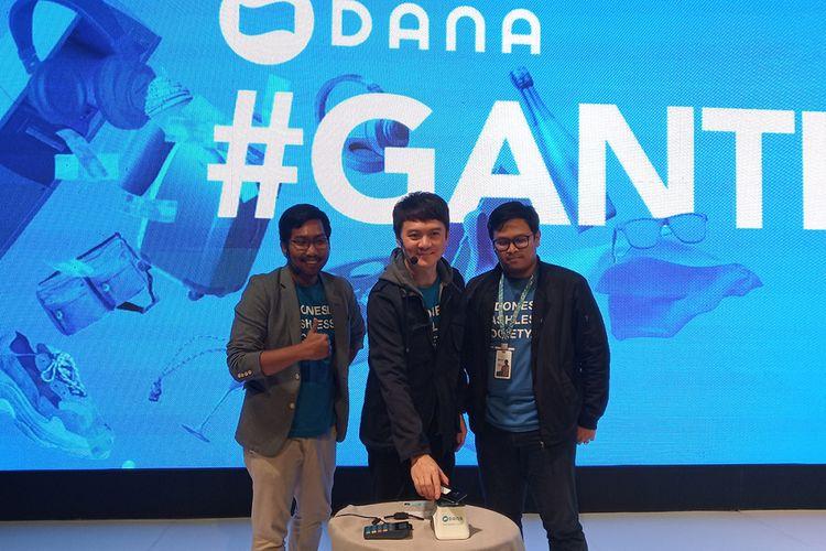 CEO DANA Vince Iswara (tengah) saat peresmian aplikasi dompet digital DANA di Jakarta, Rabu (5/12/2018).