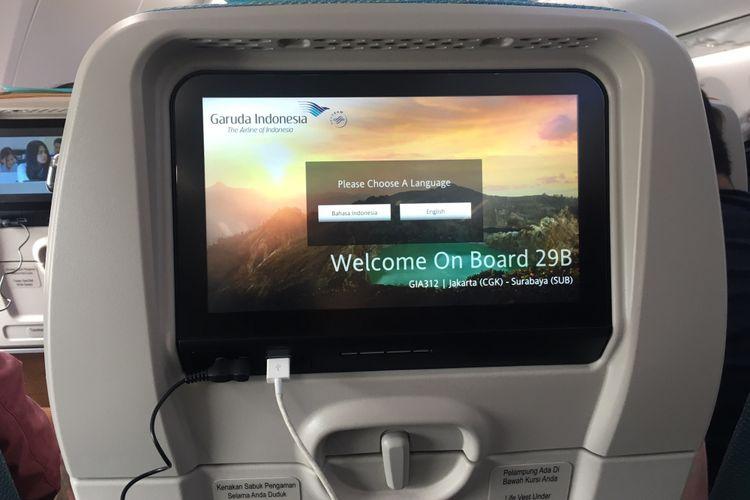 Fasilitas inflight entertainment pesawat Boeing 737 MAX 8 telah dioperasionalkan oleh Garuda Indonesia, di Bandara Soekarno-Hatta, Tangerang, Minggu (7/1/2018).