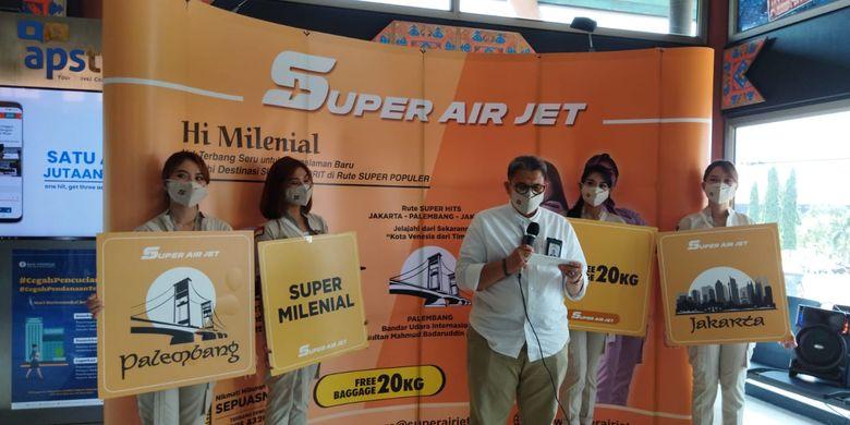 Direktur Utama Super Air Jet Ari Azhari saat memberikan sambutan dalam acara pembukaan rute baru Super Air Jet di Bandara Soekarno-Hatta, Sabtu (18/9/2021).