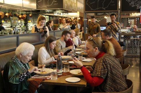 Rendang Festival Diselenggarakan di Budapest, Bagaimana Tanggapan Peserta?