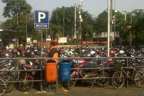 Pengelola Sarinah Belum Sediakan Lahan Parkir Motor Tambahan