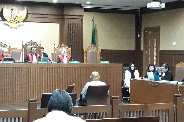 Pegawai negeri sipil di Kutai Kartanegara, Darma Gumawan saat bersaksi di Pengadilan Tipikor Jakarta, Rabu (30/5/2018).