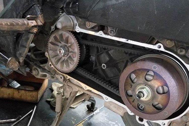 Bagian mesin motor skutik