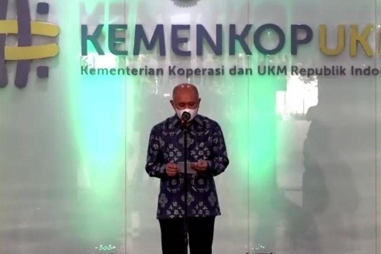 Menteri Koperasi dan UKM Teten Masduki memberikan sambutan dalam peluncuran logo baru Kemenkop UKM, Senin (27/9/2021).